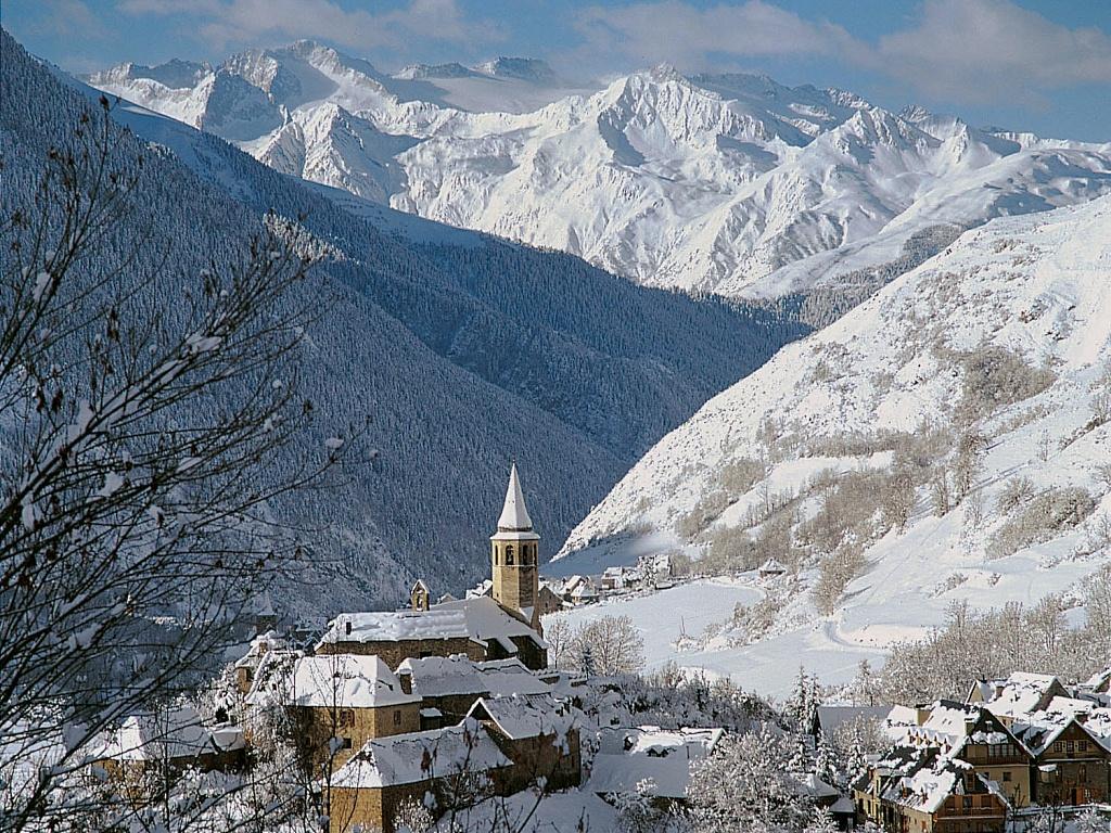 La catalu a profunda que pasa de la independencia - Inmobiliaria valle de aran ...
